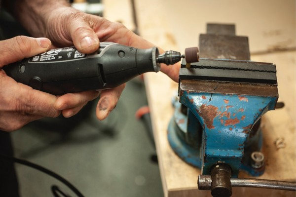 Grinding a surface with a Dremel tool