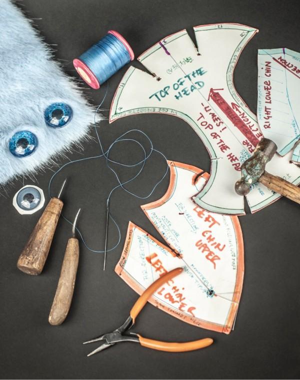 Mønstre og verktøy under produksjon av Bluč